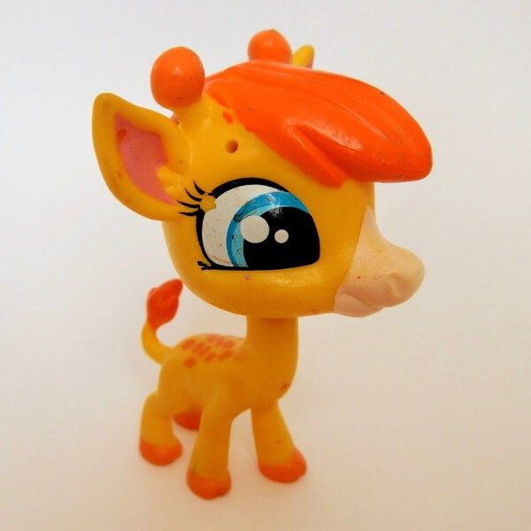 littlest-pet-shop-lps-giraffe-pierre.jpg